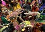 Фестиваль фарб веселки в Індії